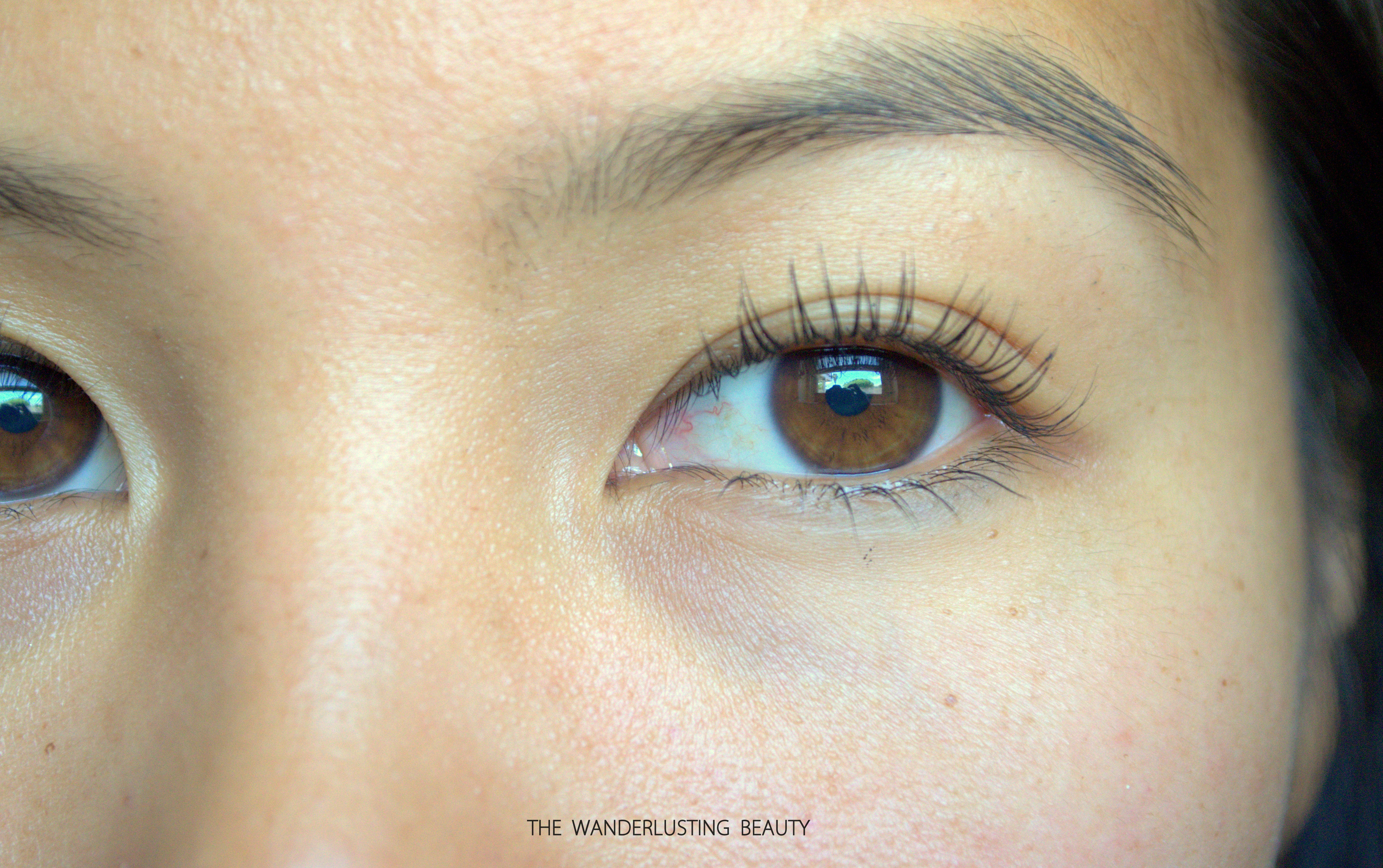 93bd411e7cc It makes it a little hard to get the smaller or edge lashes without  smudging the mascara on my face.